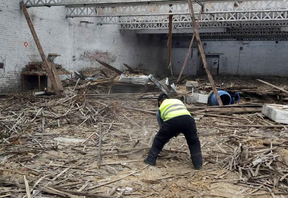 Gravats en bois suite à démolition de toit