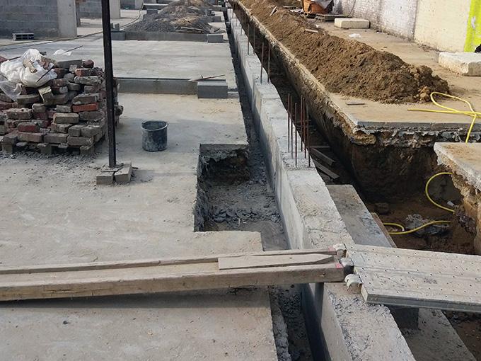 Création de nouvelles fondations dans un bâtiment industriel existant